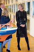 Koning Willem-Alexander en koningin Maxima bezoeken het Pool- en Marienonderzoek in de Alfred Wegener Campus tijdens een werkbezoek aan Bremen Haven<br /> <br /> King Willem-Alexander and Queen Maxima visit the Polar and Marine research in the Alfred Wegener Campus during a working visit to Bremen Harbor