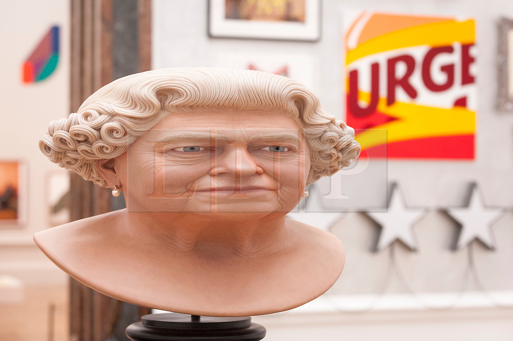 """© Licensed to London News Pictures. 05/06/2018. LONDON, UK. """"The Queen"""" by John Humphreys at a preview of the 250th Summer Exhibition at the Royal Academy of Arts in Piccadilly, which has been co-ordinated by Grayson Perry RA this year.  Running concurrently, is The Great Spectacle, featuring highlights from the past 250 years.  Both shows run 12 June to 19 August 2018.  Photo credit: Stephen Chung/LNP"""