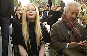 Avril Lavigne and Giles Bensimon, Chanel couture fashion show. Grand Palais, Ave Winston Churchill. Paris. 24  January  2006.  ONE TIME USE ONLY - DO NOT ARCHIVE  © Copyright Photograph by Dafydd Jones 66 Stockwell Park Rd. London SW9 0DA Tel 020 7733 0108 www.dafjones.com