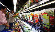 Belo Horizonte_MG,  19 de Outubro de 2009..Revista Globo Rural - Flores Comestiveis..Flores comestiveis a venda no supermercado Verde Mar..Foto: LEO DRUMOND / NITRO