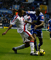 Photo: Steve Bond/Richard Lane Photography. Leicester City v Crystal Palace. E.ON FA Cup Third Round. 03/01/2009. Nathanial Clyne (L) gets his toe in on LLoyd Dyer (R)