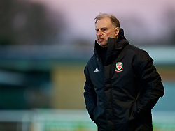 BANGOR, WALES - Saturday, November 17, 2018: Wales Under 19 manager Paul Bodin looks on during the UEFA Under-19 Championship 2019 Qualifying Group 4 match between Sweden and Wales at the Nantporth Stadium. (Pic by Paul Greenwood/Propaganda)