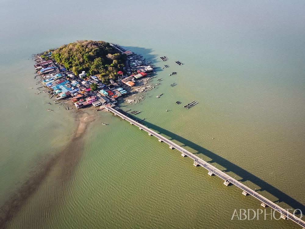 Koh Raet Rhino Island Donsak Town Surat Thani
