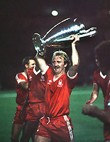 Kenny Burns (Nottingham Forest) with the European Cup.1980 European Cup Final Nottingham Forest v Hamburg. Credit: Andrew Cowie/Colorsport.