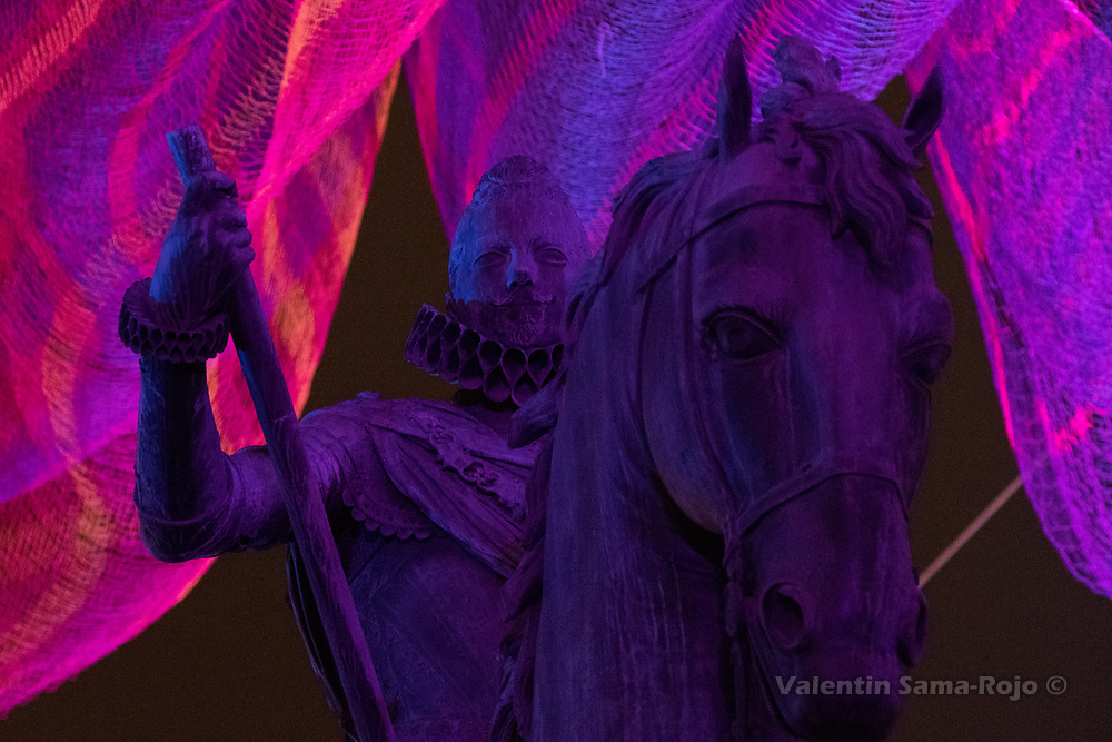 Madrid, Spain. 09th January, 2018. Detail of the face of the statue of King Philip III lite by the installation of Janet Echelman at Plaza Mayor square in Madrid. © Valentin Sama-Rojo