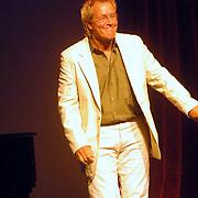 NLD/Amsterdam/20061001 - Uitreiking Blijvend Applaus prijs 2006, pianist Martin van Dijk
