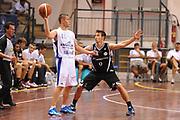 DESCRIZIONE : Novara Torneo di Novara Lega A 2011-12 Angelico Biella Canadian Solar Virtus Bologna<br /> GIOCATORE : Jonathan Tavernari<br /> CATEGORIA : passaggio<br /> SQUADRA :  Angelico Biella<br /> EVENTO : Campionato Lega A 2011-2012<br /> GARA : Angelico Biella Canadian Solar Virtus Bologna<br /> DATA : 10/09/2011<br /> SPORT : Pallacanestro<br /> AUTORE : Agenzia Ciamillo-Castoria/GiulioCiamillo<br /> Galleria : Lega Basket A 2011-2012<br /> Fotonotizia : Novara Torneo di Novara Lega A 2011-12 Angelico Biella Canadian Solar Virtus Bologna<br /> Predefinita :