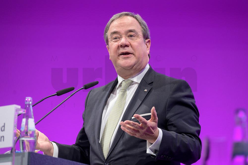 06 JAN 2020, KOELN/GERMANY:<br /> Armin Laschet, CDU, Ministerpraesident Nordrhein-Westfalen, haelt eine Rede, dbb Jahrestagung, Koeln Messe<br /> IMAGE: 20200106-01-236