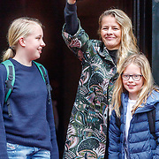 NLD/Amsterdam/20180203 - 80ste Verjaardag Pr.Beatrix, Mabel Wisse Smit met dochters Luana en Zaria