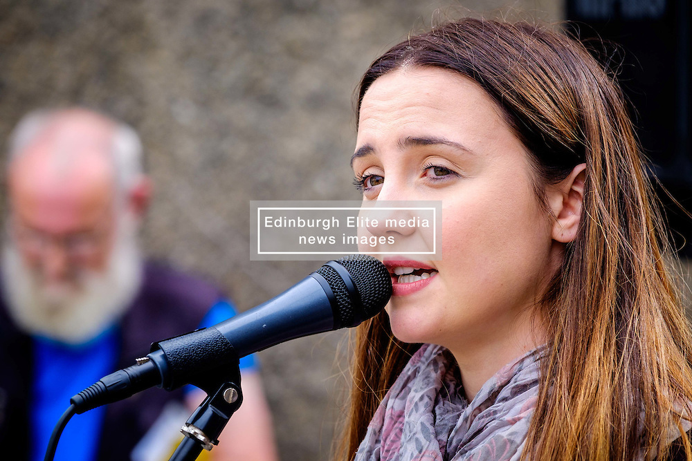 Lanark, Scotland, UK 20th August 2016   A march and ceremony to commemorate the death of Scottish Hero William Wallace (23rd August 1302) held on Saturday 20th August 2016.  Wallace has strong connections with the town of Lanark.  Mairi McAllan welcomes guests.<br /> <br /> (c) Andrew Wilson | Edinburgh Elite media