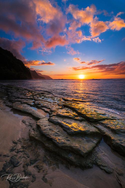 Sunset over the Na Pali Coast from Ke'e Beach, Haena State Park, Kauai, Hawaii
