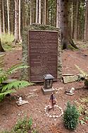 memorial plaque for the US soldier Robert Cahow at the Ochsenkopf in the Huertgen forest near Raffelsbrand, North Rhine-Westphalia, Germany.<br /> <br /> Gedenktafel fuer den US-Soldaten Robert Cahow am Ochsenkopf im Huertgenwald bei Raffelsbrand, Nordrhein-Westfalen, Deutschland.