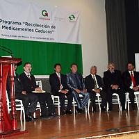 Toluca, México.-  Óscar Zabala Martínez, presidente de la Unión Nacional de Empresarios de Farmacias  durante el inicio del programa de Recolección de Medicamentos Caducos, con el objetivo de reducir los riesgos sanitarios, a la salud y al medio ambiente. Agencia MVT / José Hernández