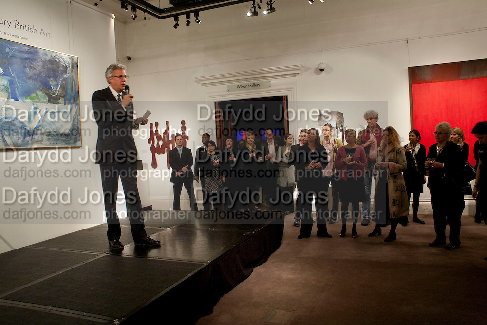 HENRY WYNDHAM, Preview of  Lord and Lady Attenborough art works  at SothebyÕs. Donation from the evening to be made to RADA. New Bond St. London. 9 November 2009<br /> HENRY WYNDHAM, Preview of  Lord and Lady Attenborough art works  at Sotheby's. Donation from the evening to be made to RADA. New Bond St. London. 9 November 2009