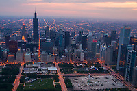 Downtown featuring Chicago Art Institute & Millennium Park