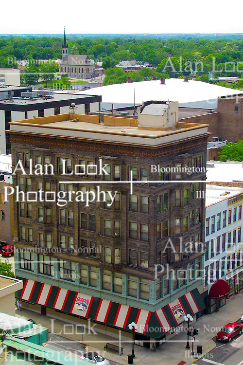 05 June 2014:   Downtown Bloomington.