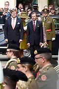 Staatsbezoek aan Luxemburg dag 1 / State visit to Luxembourg day 1<br /> <br /> Op de foto / On the photo: Welkomstceremonie bij het Palais Grand-Ducal met Koning Willem Alexander en Groothertog Henri / Welcome ceremony at the Palais Grand-Ducal with King Willem Alexander and Grand Duke Henri