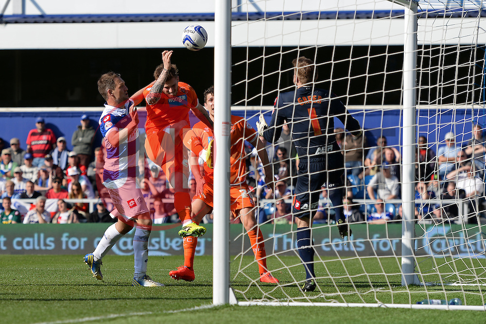 Blackpool's forward David Goodwillie scores a goal - Photo mandatory by-line: Mitchell Gunn/JMP - Tel: Mobile: 07966 386802 29/03/2014 - SPORT - FOOTBALL - Loftus Road - London - Queens Park Rangers v Blackpool - Championship