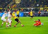 Bundesliga 2020: Borussia Dortmund - 1. FC Köln (5-1). Erling Braut Haaland setter inn 4-1 i bundesligakampen i fotball mellom Borussia Dortmund og 1. FC Köln på Signal Iduna Park.