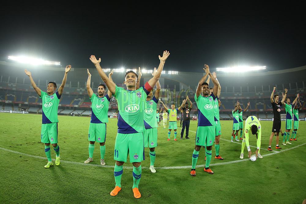 Sunil Chhetri of Bengaluru FC along with team cheering up for fans during match 24 of the Hero Indian Super League 2018 ( ISL ) between ATK and Bengaluru FC held at the Yuba Bharati Krirangan stadium (Salt Lake Stadium) in Salt Lake Kolkata, India on the 31st October<br /> <br /> Photo by Saikat Das /SPORTZPICS for ISL