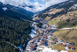 14.09.2017, Gerlos, AUT, Coronavirus in Österreich, Zillertaler Apres Ski Gäste sollen sich melden, dass Land Tirol bittet in einem dringenden Aufruf alle, die von 8. bis 15. März Bars und Apres-Ski-Lokale im Zillertal besucht haben, sich zu melden. Neun Lokale sind betroffen, außerdem zwei Hotels und eine Pension, im Bild Übersicht Gemeinde Gerelos // Overview Gerlos. Zillertal apres-ski guests are to report that the province of Tyrol is urgently calling on everyone who visited bars and apres-ski venues in the Zillertal from 8 to 15 March to report. Nine bars and restaurants are affected, as well as two hotels and a guesthouse, the Austrian government is pursuing aggressive measures in an effort to slow the ongoing spread of the coronavirus. Gerlos, Austria on 2017/09/14. EXPA Pictures © 2020, PhotoCredit: EXPA/ Johann Groder