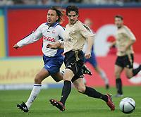 Fotball. 23. oktober 2004, <br /> Bundesliga Hansa Rostock - FC Bayern München<br /> v.l. Marcus Lantz Rostock, Owen Hargreaves