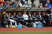 Fotball NM Cup Stjørdalsblink - Rosenborg<br /> Øverlands Minde, Stjørdal 13 mai 2010<br /> <br /> Rosenborg-benken....noe avslappet stemning, kanskje.....?<br /> <br /> Foto : Arve Johnsen, Digitalsport