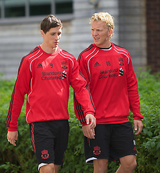 18.08.2010, Melwood Trainingground, Liverpool, ENG, UEFA EL, Liverpool Fc Training, im Bild Liverpool's Fernando Torres und Dirk Kuyt, während des Trainings vor dem UEFA Europa League Play-Off Hinspiel gegen Trabzonspor A.S. , EXPA Pictures © 2010, PhotoCredit: EXPA/ Propaganda/ D. Rawcliffe *** ATTENTION *** UK OUT! / SPORTIDA PHOTO AGENCY