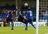 Photo: Olly Greenwood.<br />Gillingham v Swansea City. Coca Cola League 1. 16/09/2006. Swansea's Leon Knight scores from an over head kick