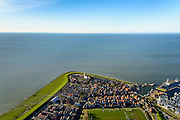Nederland, Friesland, Gemeente Sudwest-Fryslan, 28-02-2016; Hindeloopen, beschermd stadsgezicht met Grote Kerk, historische haven en moderne jachthaven. Een van de Friese elf steden.<br /> Small town on border of former Zuyder Zee, heritage and <br /> conservation area.<br /> <br /> luchtfoto (toeslag op standard tarieven);<br /> aerial photo (additional fee required);<br /> copyright foto/photo Siebe Swart