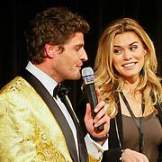 NLD/Hilversum/20110208 - Prins Willem Alexander aanwezig bij de Gouden Apenstaarten 2011, Koert-Jan de Bruijn en Nicolette van Dam