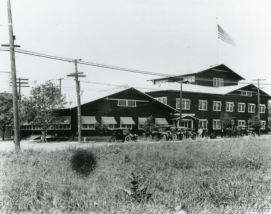 1917 Thomas Dixon Studios at Western Ave. & Sunset Blvd.