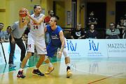 DESCRIZIONE : Jesolo Lega A 2015-2016 Terzo Torneo Citta di Jesolo Umana Reyer Venezia Acqua Vitasnella Cantu<br /> GIOCATORE : Tomas Ress<br /> CATEGORIA :  Passaggio<br /> SQUADRA : Umana Reyer Venezia Acqua Vitasnella Cantu<br /> EVENTO : Campionato Lega A 2015-2016<br /> GARA : Umana Reyer Venezia Acqua Vitasnella Cantu<br /> DATA : 12/09/2015<br /> SPORT : Pallacanestro<br /> AUTORE : Agenzia Ciamillo-Castoria/M.Gregolin<br /> Galleria : Lega Basket A 2011-2012<br /> Fotonotizia :  Jesolo Lega A 2015-2016 Terzo Torneo Citta di Jesolo Umana Reyer Venezia Acqua Vitasnella Cantu<br /> Predefinita :