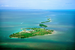 Boca Chita Key (front) and Ragged Keys, .Key Biscayne and Miami in distance, .Biscayne National Park, Florida (Atlantic).