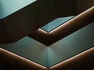 L'escalier du bâtiment qui abrite l'Ecole de commerce et de culture générale S. Corinna Bille et la HES-SO Valais/Wallis.<br /> Des architectes Geneviève Bonnard et Denis Woeffray.<br /> (OMAIRE/Studio54)