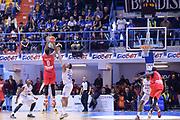 DESCRIZIONE : Brindisi  Lega A 2015-16<br /> Enel Brindisi Openjobmetis Varese<br /> GIOCATORE : Brandon Davies <br /> CATEGORIA : Ultimo Tiro Controcampo<br /> SQUADRA : Openjobmetis Varese<br /> EVENTO : Campionato Lega A 2015-2016<br /> GARA :Enel Brindisi Openjobmetis Varese<br /> DATA : 29/11/2015<br /> SPORT : Pallacanestro<br /> AUTORE : Agenzia Ciamillo-Castoria/M.Longo<br /> Galleria : Lega Basket A 2015-2016<br /> Fotonotizia : Brindisi  Lega A 2015-16 Enel Brindisi Openjobmetis Varese<br /> Predefinita :