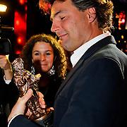 NLD/Amsterdam/20100322 -  Uitreiking Rembrandt Awards 2009, Reinout Oerlemans met zijn rembrandt