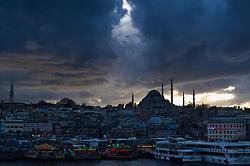 THEMENBILD - Süleymaniye-Moschee. Istanbul, früher Konstantinopel, ist die größte Stadt der Türkei. Sie liegt am Bosporus und liegt am Schnittpunkt von Asien und Europa. Aufgenommen am 04.03.2016 in Istanbul, Türkei // Süleymaniye Camii. Istanbul, former Constantinople, is the biggest City of Turkey. Turkey on 2016/03/04. EXPA Pictures © 2016, PhotoCredit: EXPA/ Michael Gruber