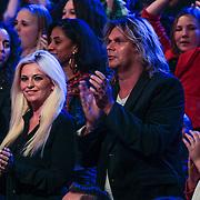 NLD/Hilversum/20130126 - 5e Liveshow Sterren Dansen op het IJs 2013, Bobbi Eden en partner Marq Laurenz