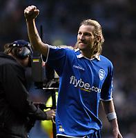Fotball<br /> Premier League 2004/05<br /> Aston Villa v Birmingham<br /> Villa Park<br /> 12. desember 2004<br /> Foto: Digitalsport<br /> NORWAY ONLY<br /> Birmingham City's Robbie Savage celebrates his side's 2-1 win