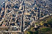 Nederland, Gelderland, Nijmegen, 11-02-2008; onder in beeld: Kronenburgpark, restanten stadsmuur; midden Sint Stevenskerk, Grote Markt; ..luchtfoto (toeslag); aerial photo (additional fee required); .foto Siebe Swart / photo Siebe Swart.