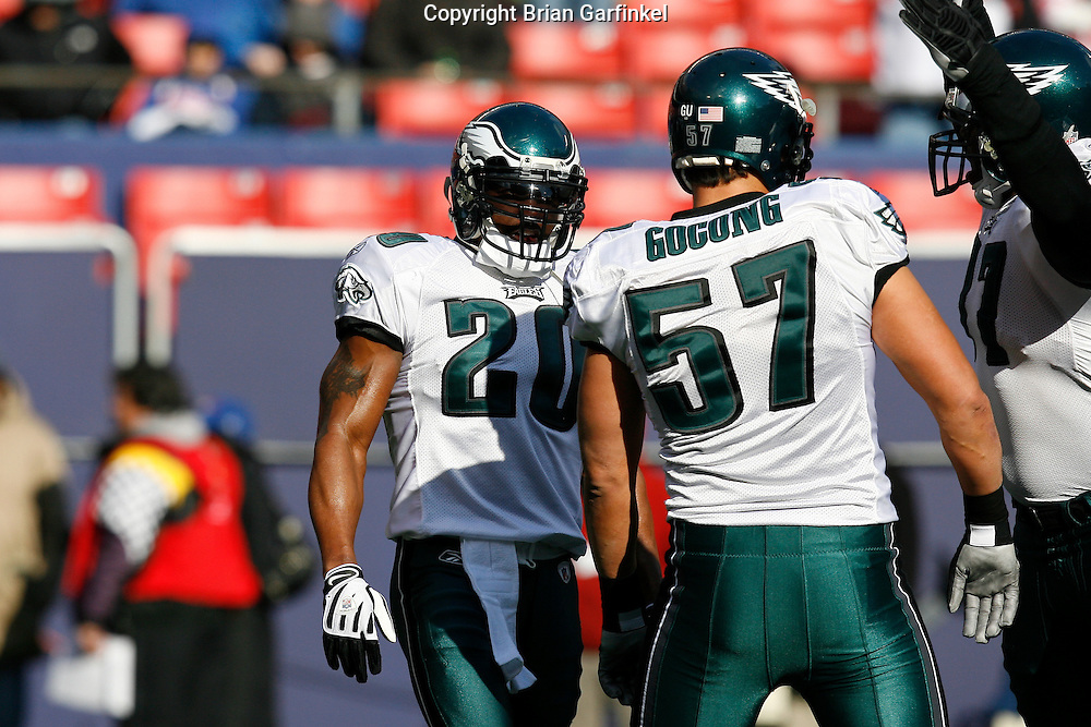 11 Jan 2009: Philadelphia Eagles safety Brian Dawkins #20 and linebacker Chris Gocong #57 before the game against the New York Giants on January 11th, 2009.  The  Eagles won 23-11 at Giants Stadium in East Rutherford, New Jersey.