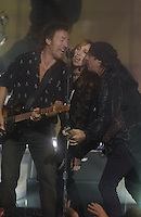 Bruce Springsteen, Patti Scialfa, Steve Van Zandt - MTV Video Music Awards 2002 - American Museum of Natural History