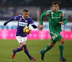 12.02.2017, Ernst Happel Stadion, Wien, AUT, 1. FBL, FK Austria Wien vs SK Rapid Wien, 21. Runde, im Bild Lucas Venuto (FK Austria Wien) und Stefan Schwab (SK Rapid Wien) // during Austrian Football Bundesliga Match, 21st Round, between FK Austria Vienna and SK Rapid Vienna at the Ernst Happel Stadion, Vienna, Austria on 2017/02/12. EXPA Pictures © 2017, PhotoCredit: EXPA/ Thomas Haumer