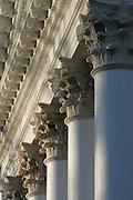 UVa Lawn area 11-15-06. Photo/andrew Shurtleff..pillar architecture detail