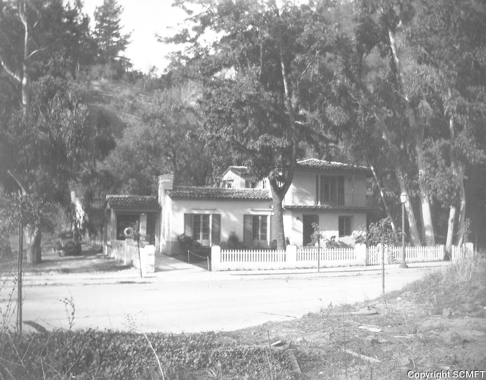 Circa 1930s 1941 Outpost Dr.