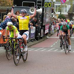 WEDDE wielrennen, De tweede etappe van de Energiewachttour 2014 werd verreden rond Wedde. Kirsten WIld wins her 2nd satge