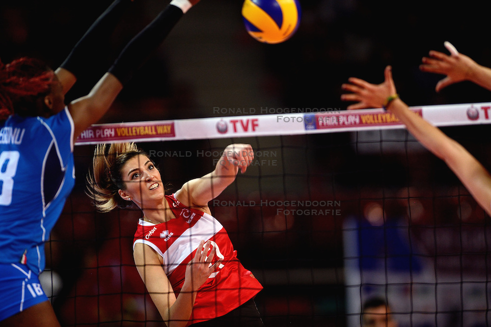 09-01-2016 TUR: European Olympic Qualification Tournament Turkije - Italie, Ankara<br /> De strijd om de tweede Japan ticket wordt gewonnen door Italie. Turkije verliest in de 5de set met 13-15 / Neslihan Demir Guler #17 of Turkey