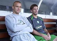 Fotball<br /> England 2005/2006<br /> Foto: SBI/Digitalsport<br /> NORWAY ONLY<br /> <br /> Fulham v Celtic<br /> Pre season friendly<br /> <br /> Celtic's new Polish players, Keeper Artur Boruc and midfielder Maciej Zurawski