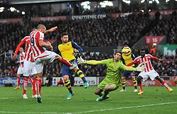 Stoke's Jonathan Walters scores Stoke's third goal - Photo mandatory by-line: Dougie Allward/JMP - Mobile: 07966 386802 - 06/12/2014 - SPORT - Football - Stoke - Britannia Stadium - Stoke City v Arsenal - Barclays Premie League